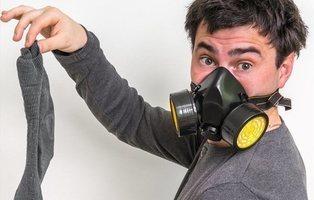 Un hombre desarrolla hongos en los pulmones por oler sus calcetines usados todos los días