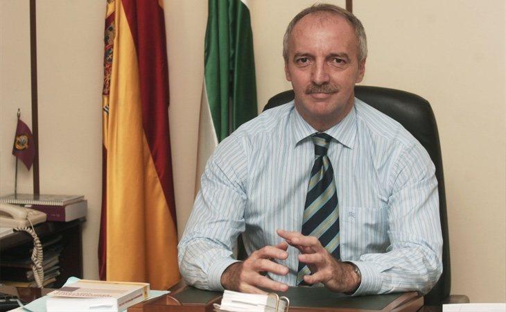 El director de la prisión, Francisco Sanz, fue cesado tras recibir sobornos