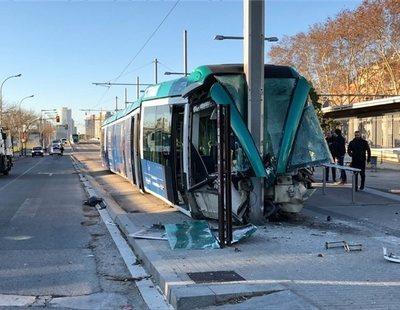 Un accidente de tranvía en Barcelona con cuatro heridos provoca el corte de las líneas T4 y T6