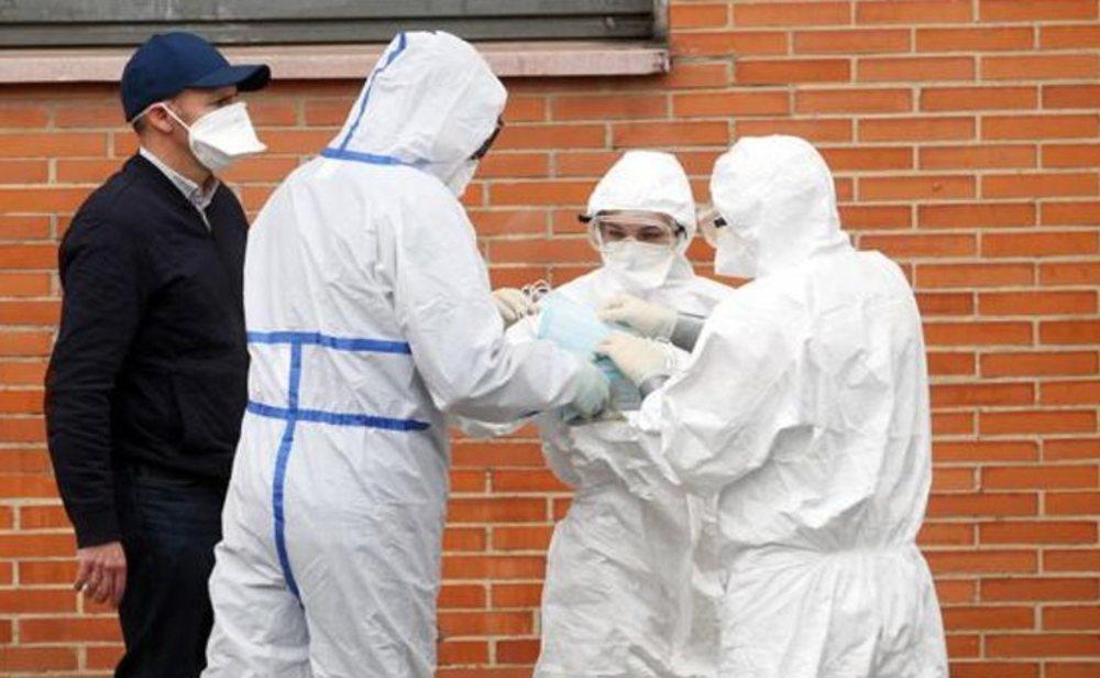 España registra máximo de contagios y muertes por coronavirus en un día