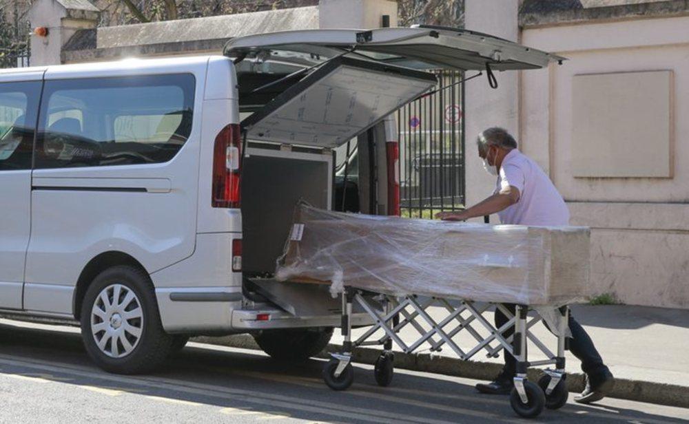 Se multiplican las muertes por coronavirus en Francia y Reino Unido