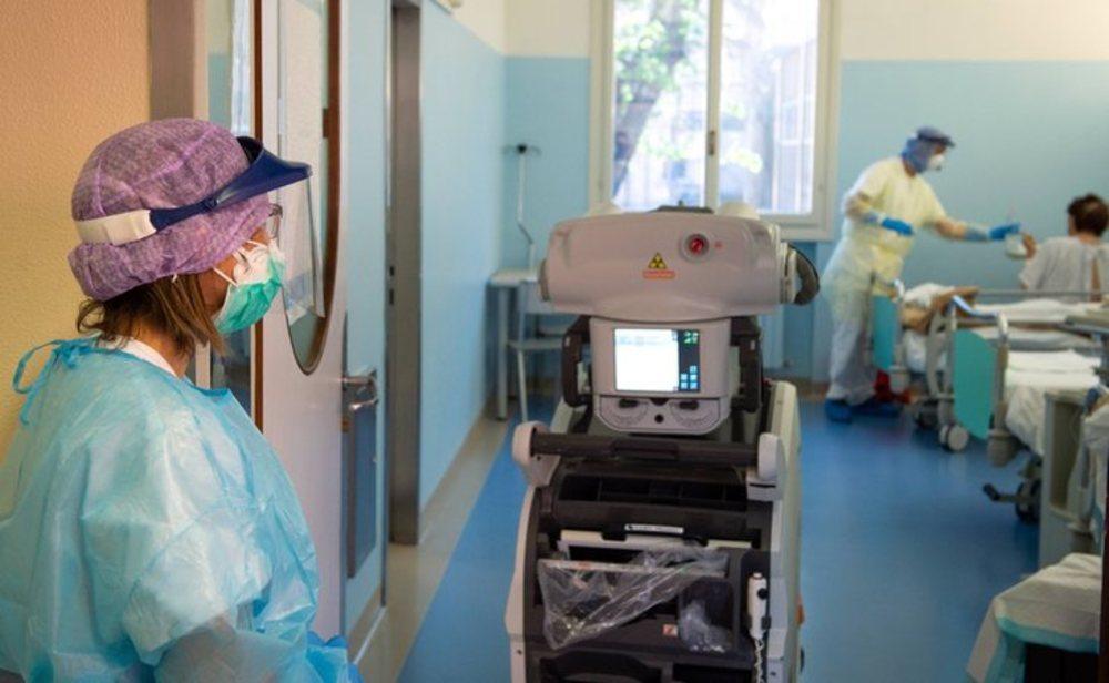 Italia sufre un ligero repunte de contagios y muertes por coronavirus