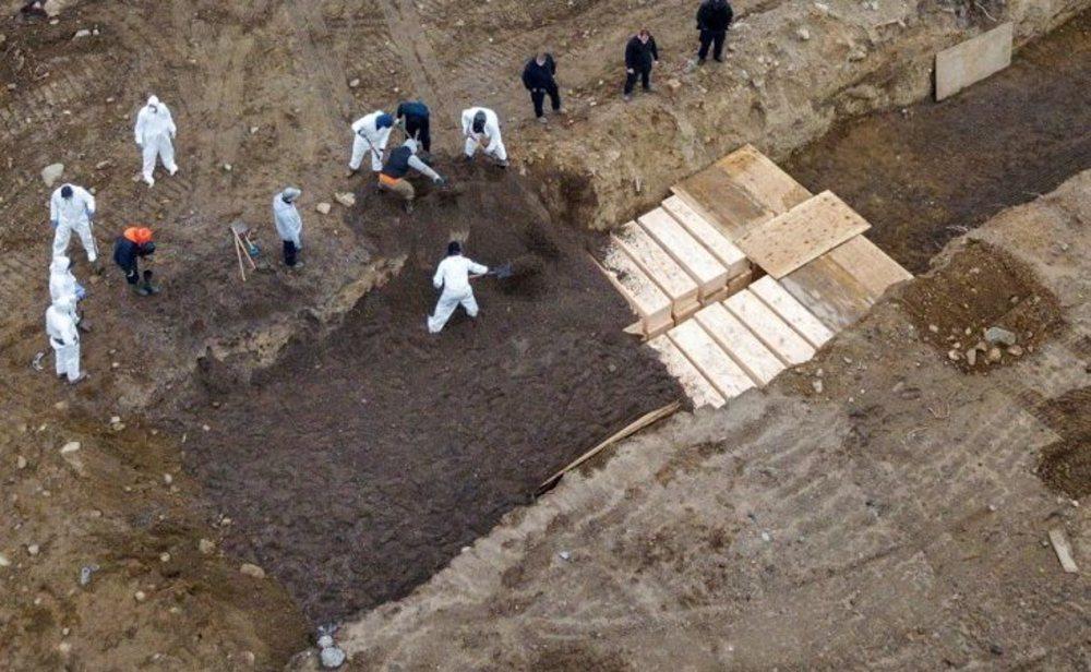 Imagen captada por un dron de enterramientos masivos en la isla de Hart, en Nueva York
