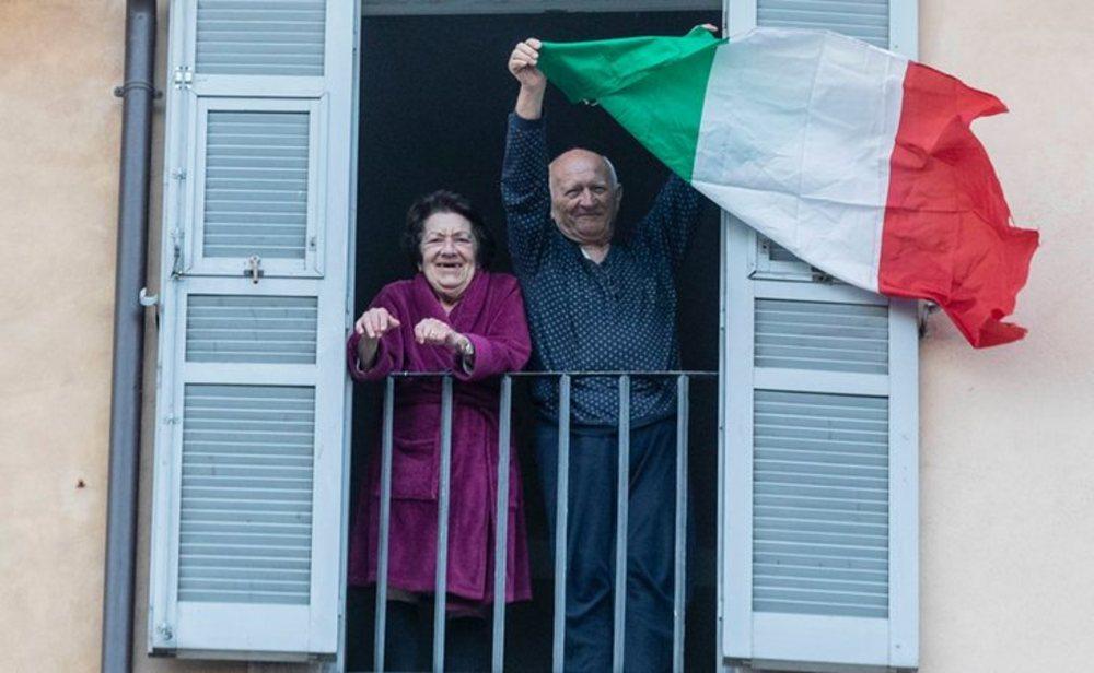 Italia sigue descendiendo en nuevos contagios