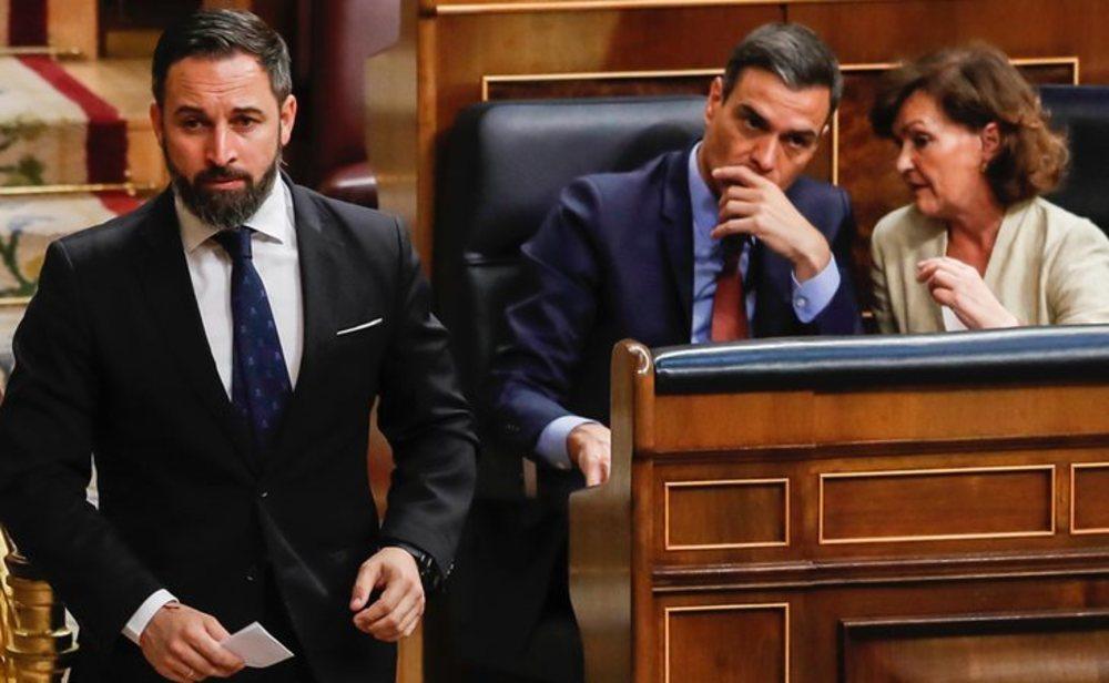 Santiago Abascal, Pedo Sánchez y Carmen Calvo en el Congreso de los diputados