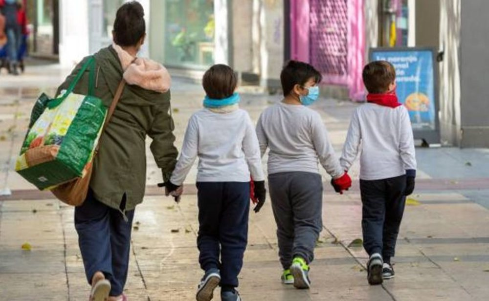 Los niños podrán salir a pasear acompañados de un adulto