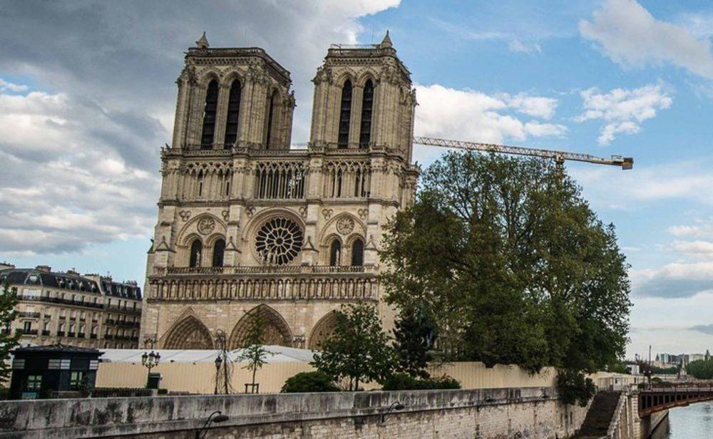 Se reanudan la sobras de Notre Dame