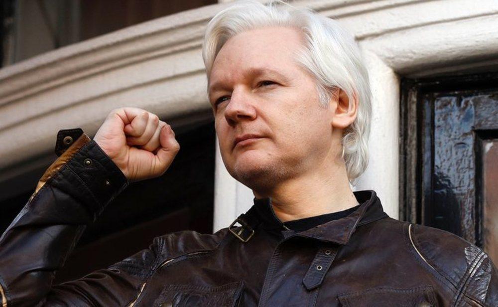 Julian Assange durante su estancia en la embajada de Ecuador en Londres