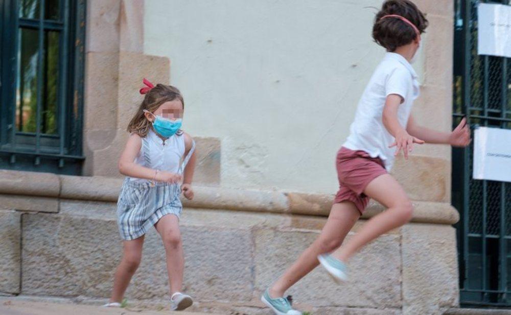 Los niños y niñas pueden salir a la calle de 12:00 a 19:00 horas