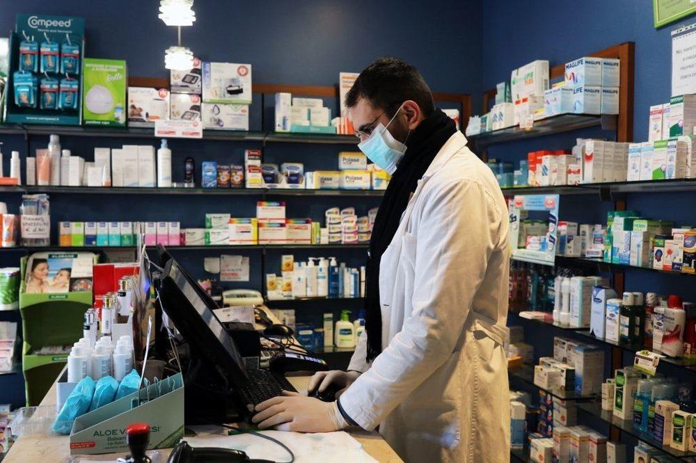 La Comunidad de Madrid repartirá mascarillas gratuitamente en las farmacias