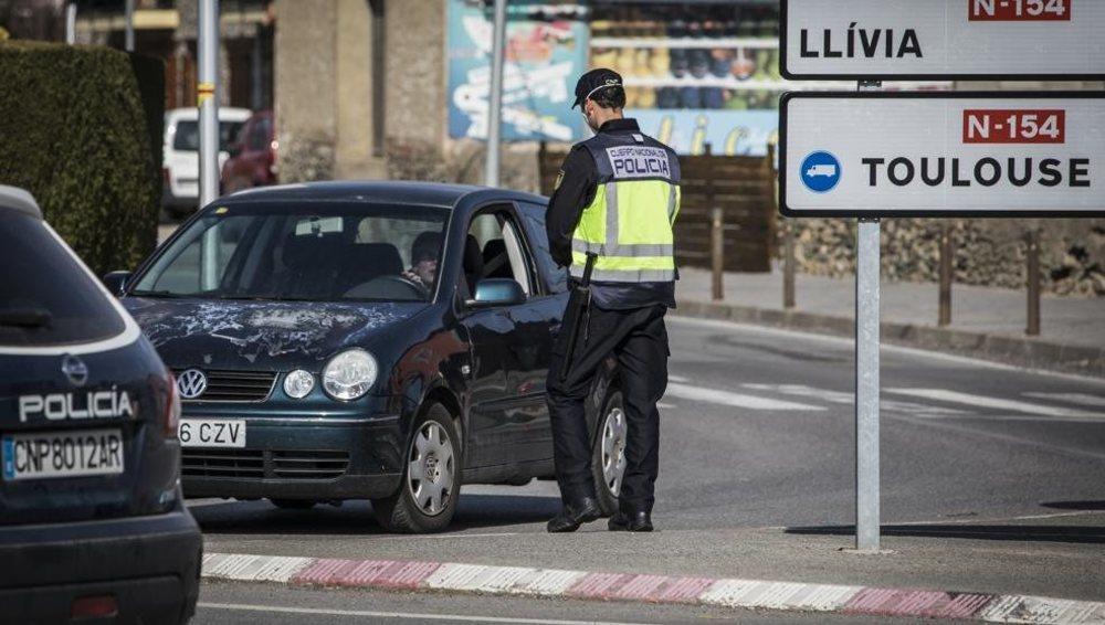 Francia contempla el cierre de la frontera con Barcelona