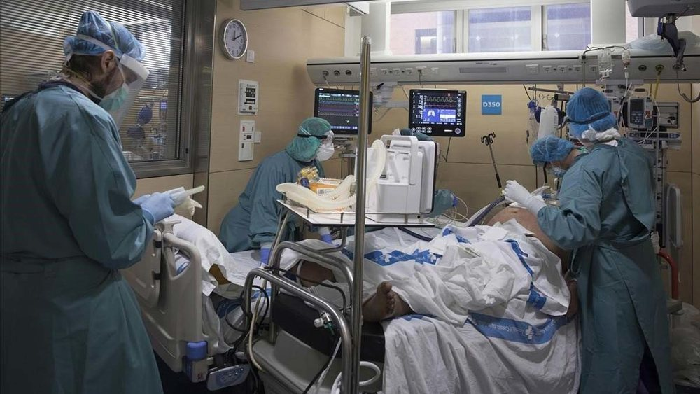 España vuelve a rozar los 1.000 contagios diarios