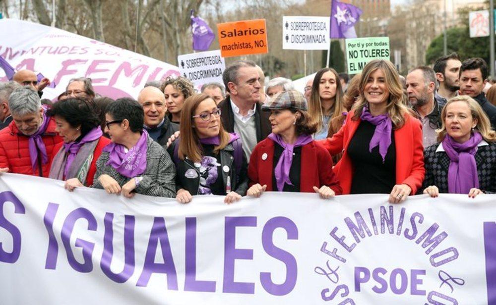 Las vicepresidentas Carmen Calvo y Nadia Calviño o los ministros Fernando Grande-Marlaska e Isabel Celáa acudieron a la manifestación del 8M junto a Begoña Gómez, mujer de Pedro Sánchez