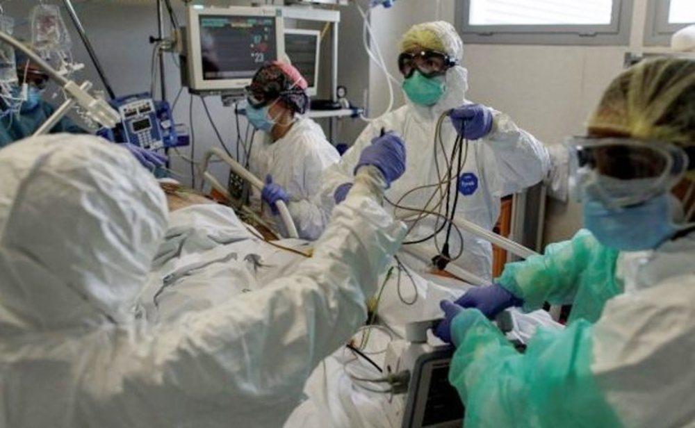 España suma diariamente tantos nuevos contagios como en abril