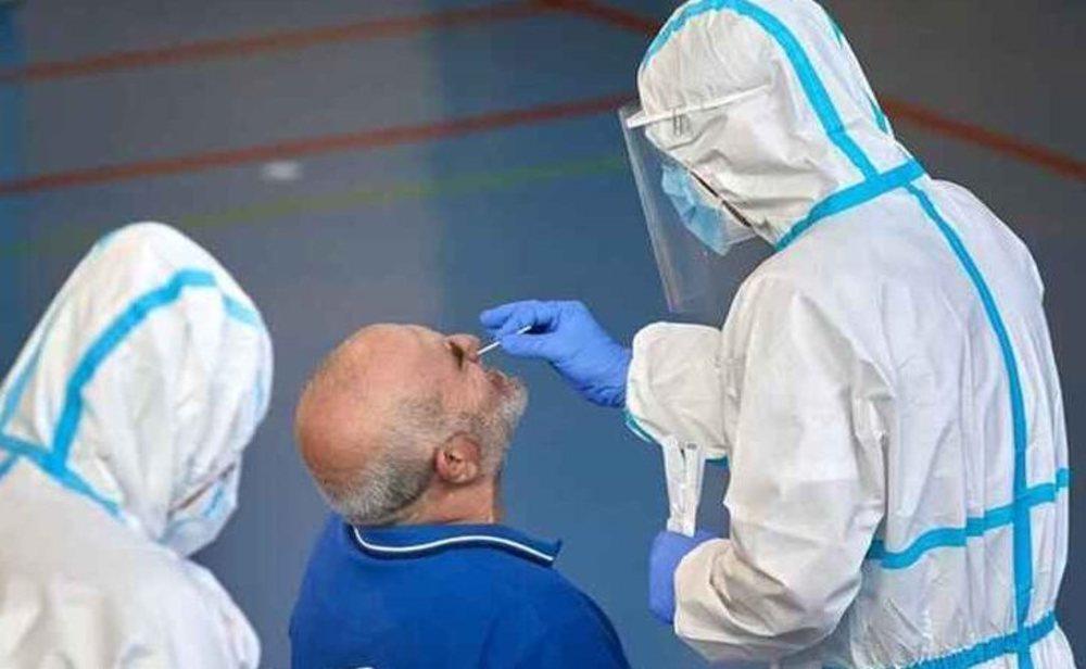 España sigue haciendo pruebas PCR a grandes grupos de población