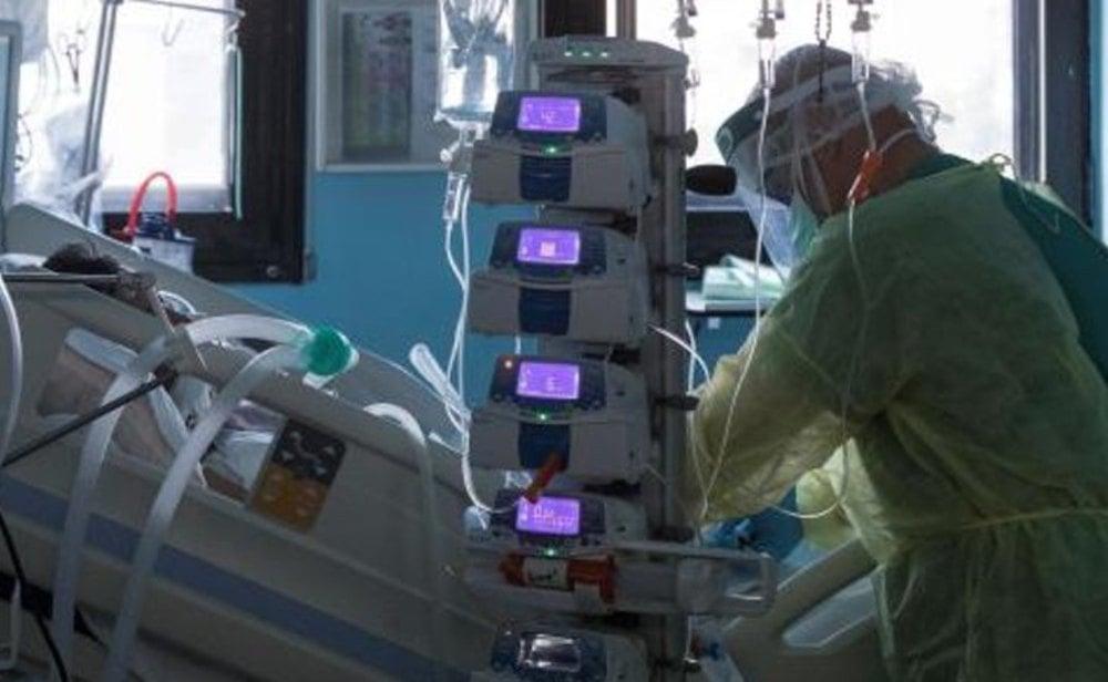 Las medidas y restricciones siguen sin controlar la segunda ola de coronavirus en España