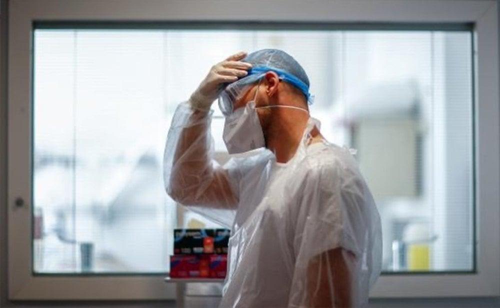 Los hospitales tratan de aguantar la presión de la segunda ola del coronavirus