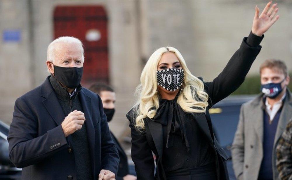 Joe Biden junto a Lady Gaga en el cierre de campaña del candidato demócrata