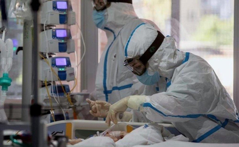 Las camas UCI ocupadas por pacientes de coronavirus ya alcanzan el 30%