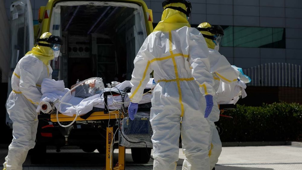 Los casos de coronavirus siguen disparados en España y las cifras de muertos en ascenso