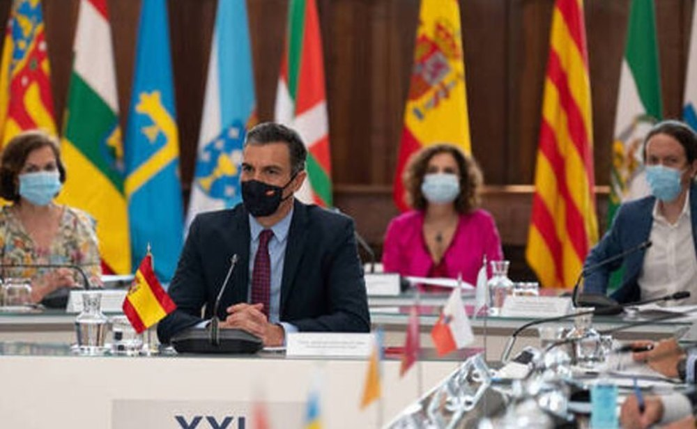 El Gobierno rebajará el IVA de las mascarillas
