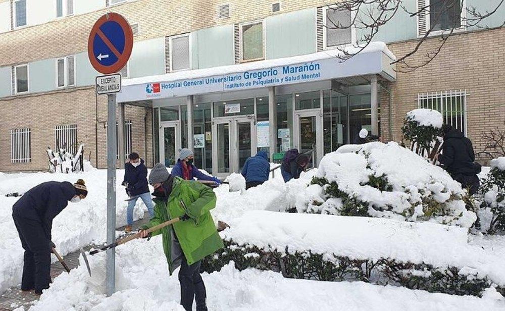 Los hospitales de Madrid han vivido un duro fin de semana por la nieve dejada por el temporal Filomena