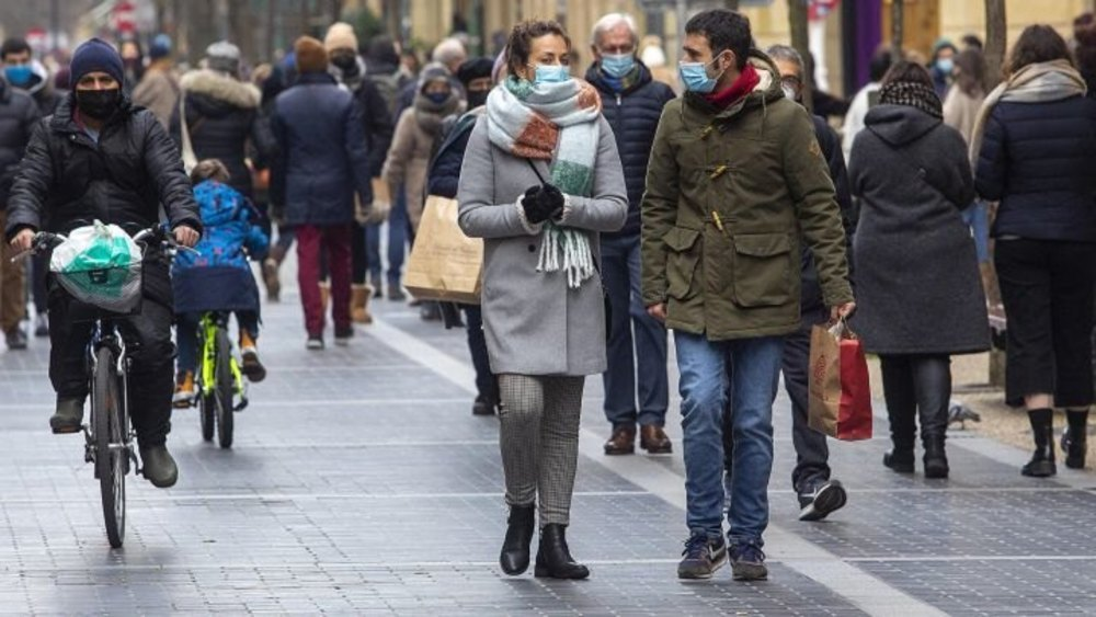 La tercera ola de coronavirus se desboca en España