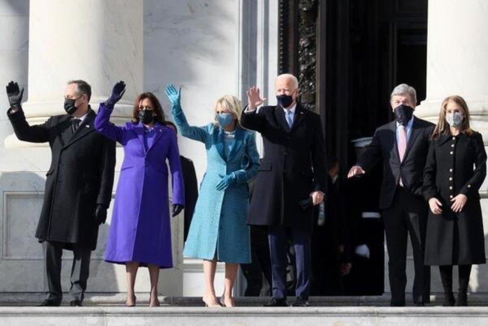 Biden y Harris, con sus respectivas parejas, en el Capitolio