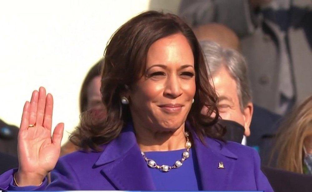Kamala Harris jura el cargo como vicepresidenta de Estados Unidos
