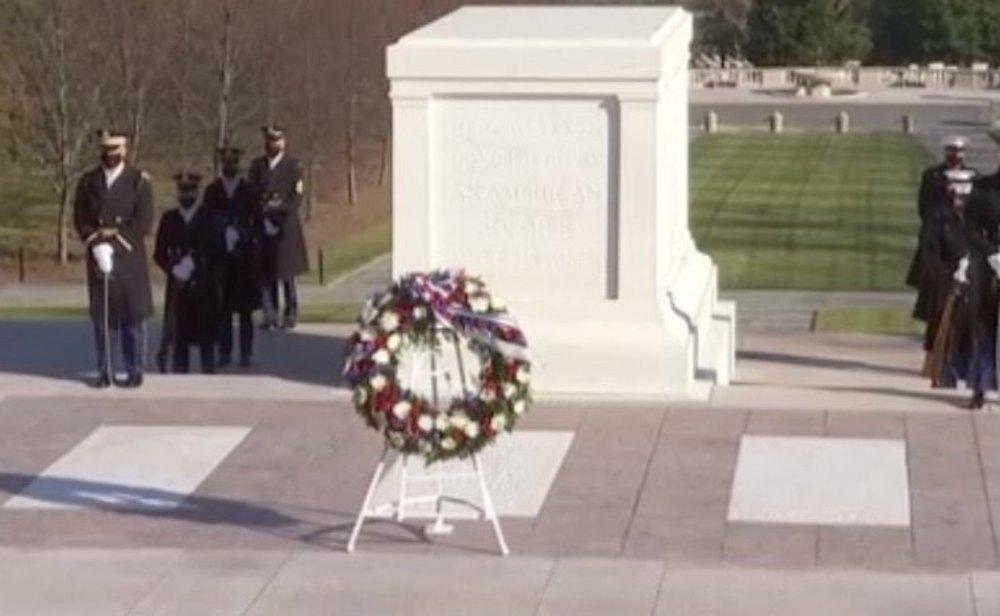 Joe Biden llega al Cementerio Nacional de Arlington