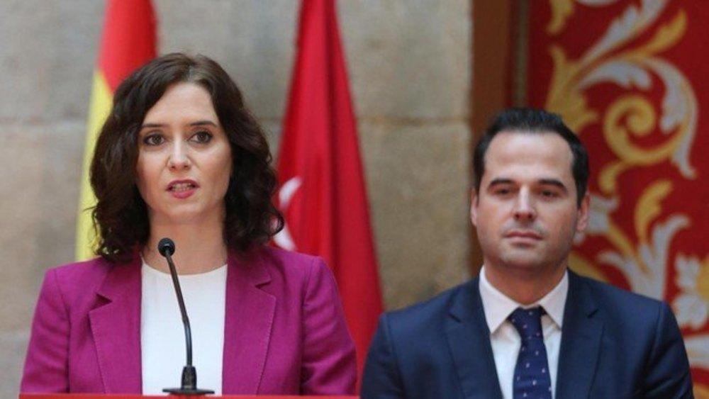 La presidenta madrileña, Isabel Díaz Ayuso, junto al vicepresidente, Ignacio Aguado