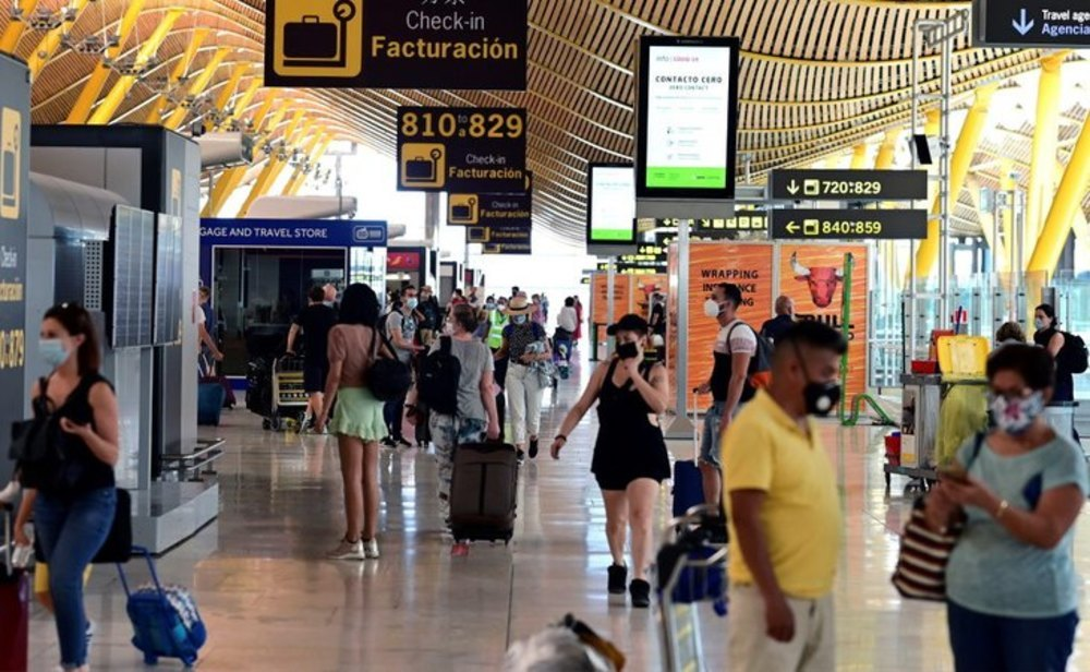 A las puertas de la Semana Santa, los turistas llegan a España a pesar del temor a la cuarta ola
