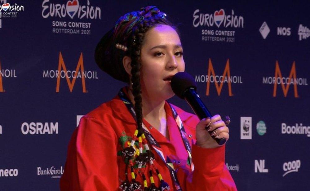 Manizha, representante de Rusia en Eurovisión 2021, durante el Meet & Great tras su primer ensayo