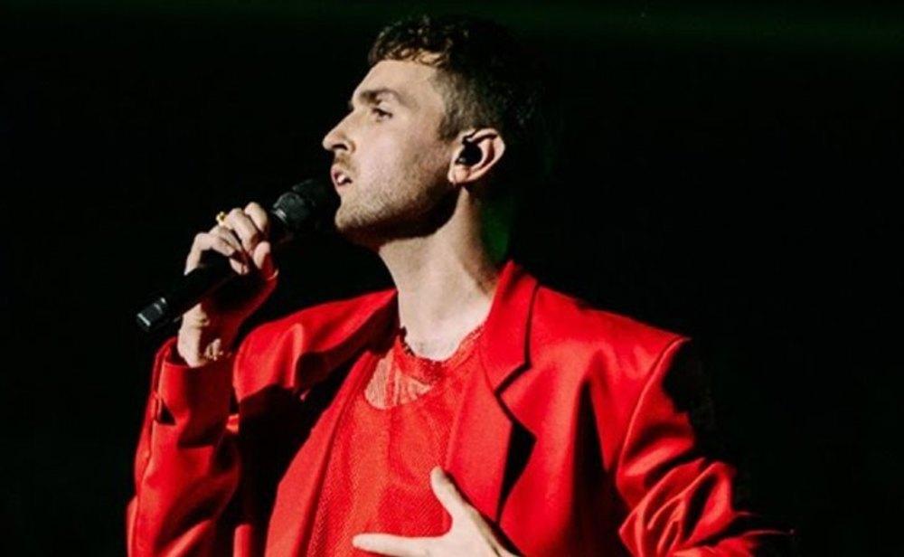 Duncan Laurence en la apertura de Eurovisión 2021