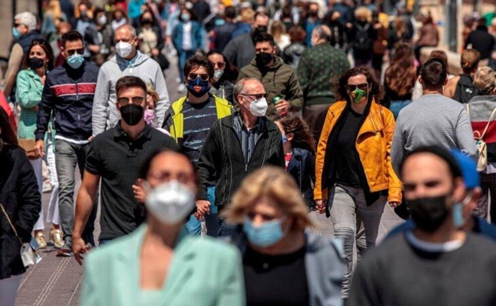 La incidencia continúa bajando en España