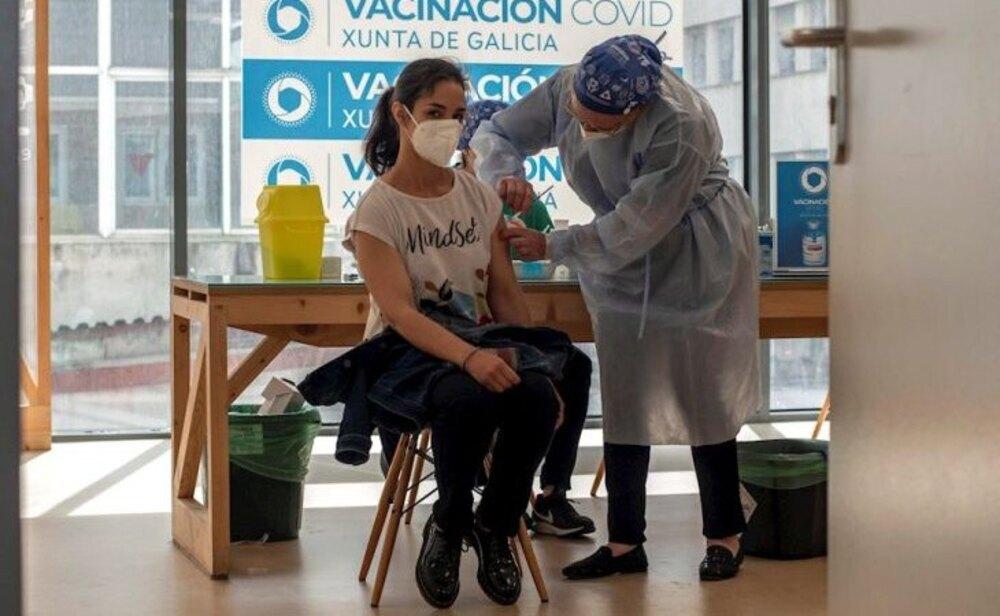 Ya hay más de veinte millones de españoles con al menos una dosis de la vacuna