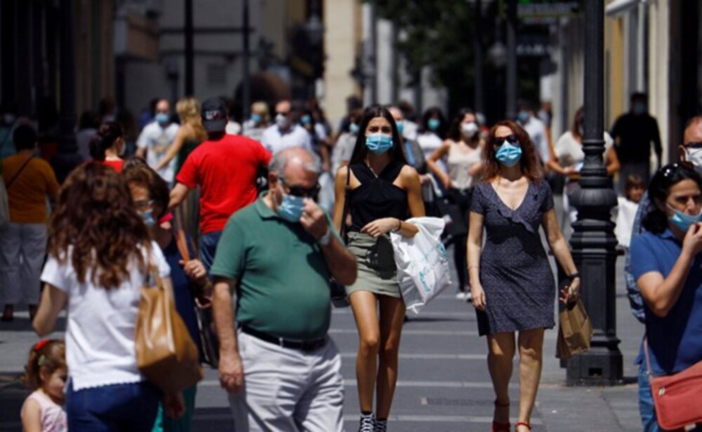España arranca septiembre mejorando sus datos de la pandemia