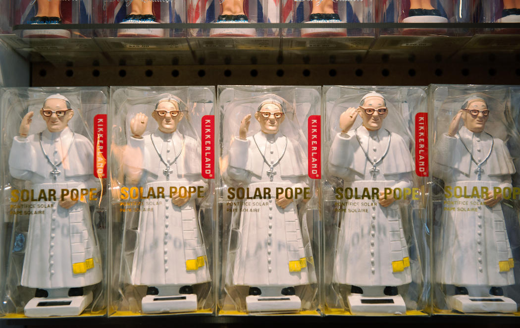 Definición gráfica de ser más papista que el Papa