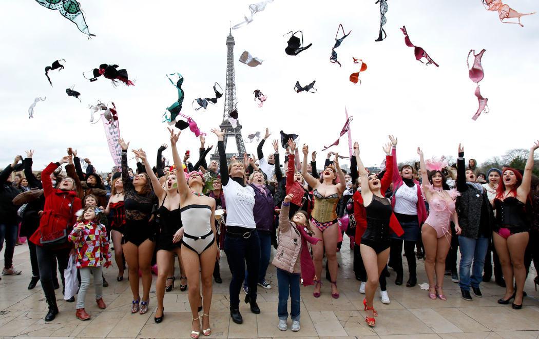 Sostenes al aire contra el cáncer de mama