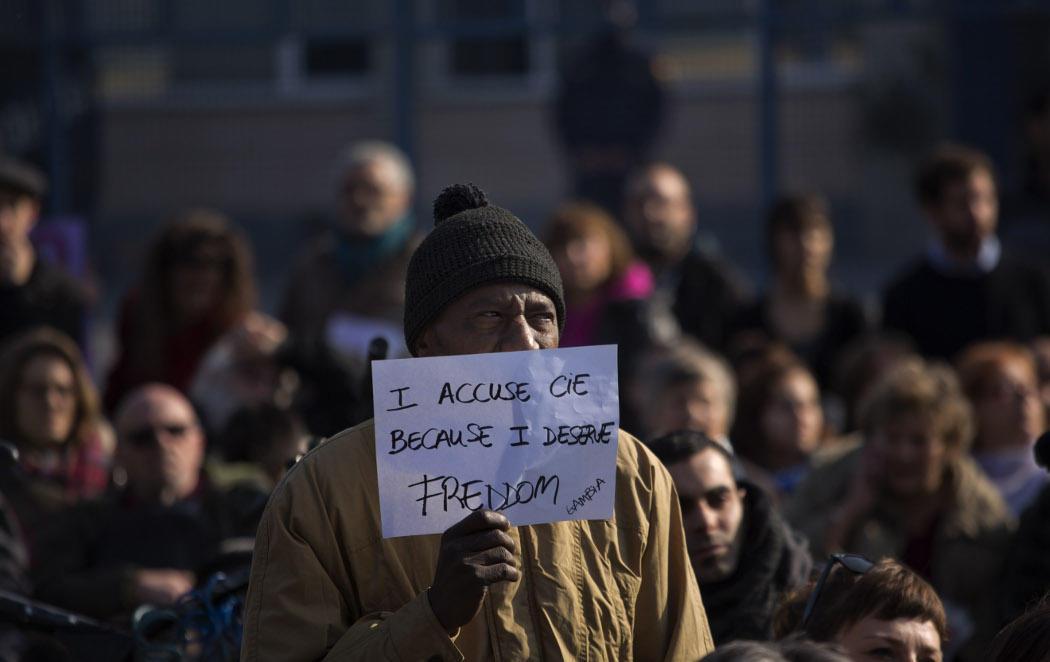 Barcelona pide el cierre definitivo del CIE