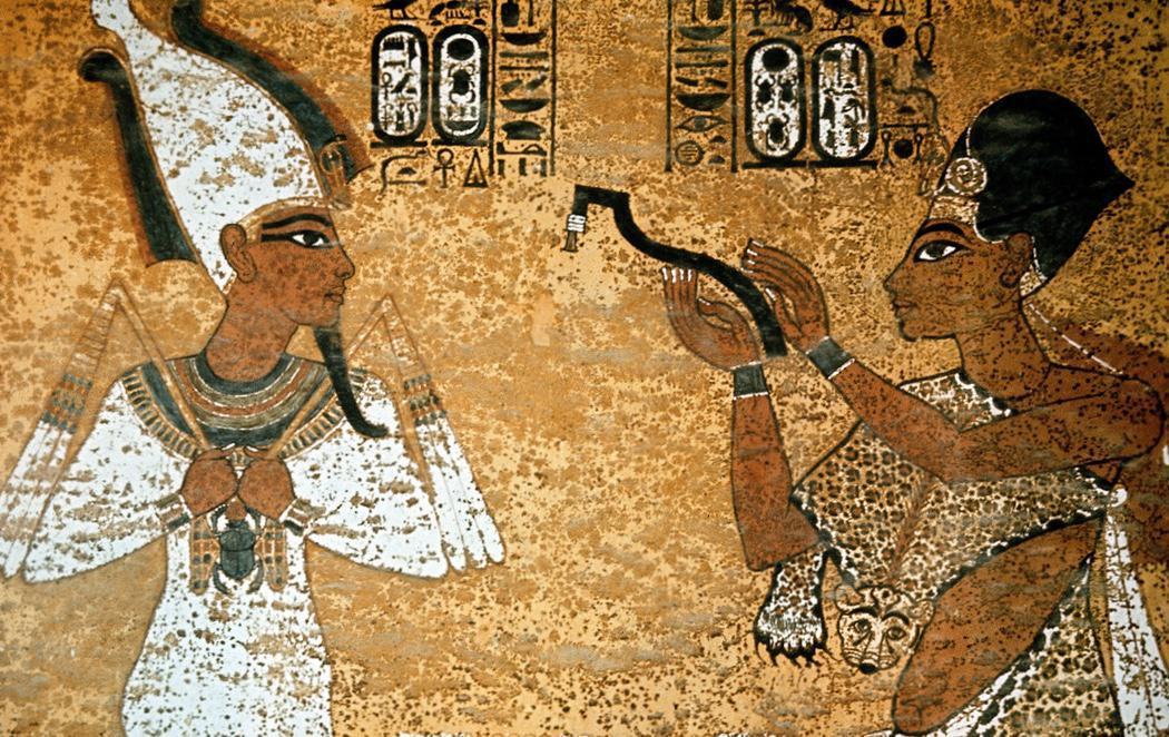 Detrás de estos frescos podría haber nuevas cámaras de Tutankamón
