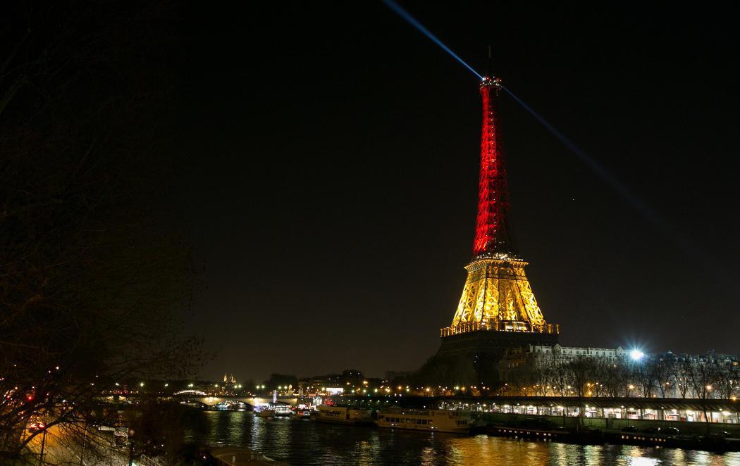 Siguen los homenajes a Bruselas y la identificación de los terroristas