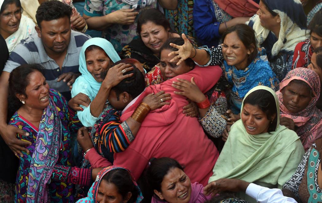 Lahore llora a sus 72 muertos