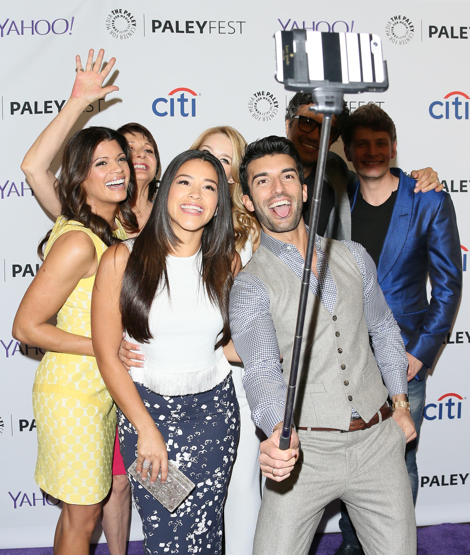 El palo de selfies llega a los photocalls de famosos