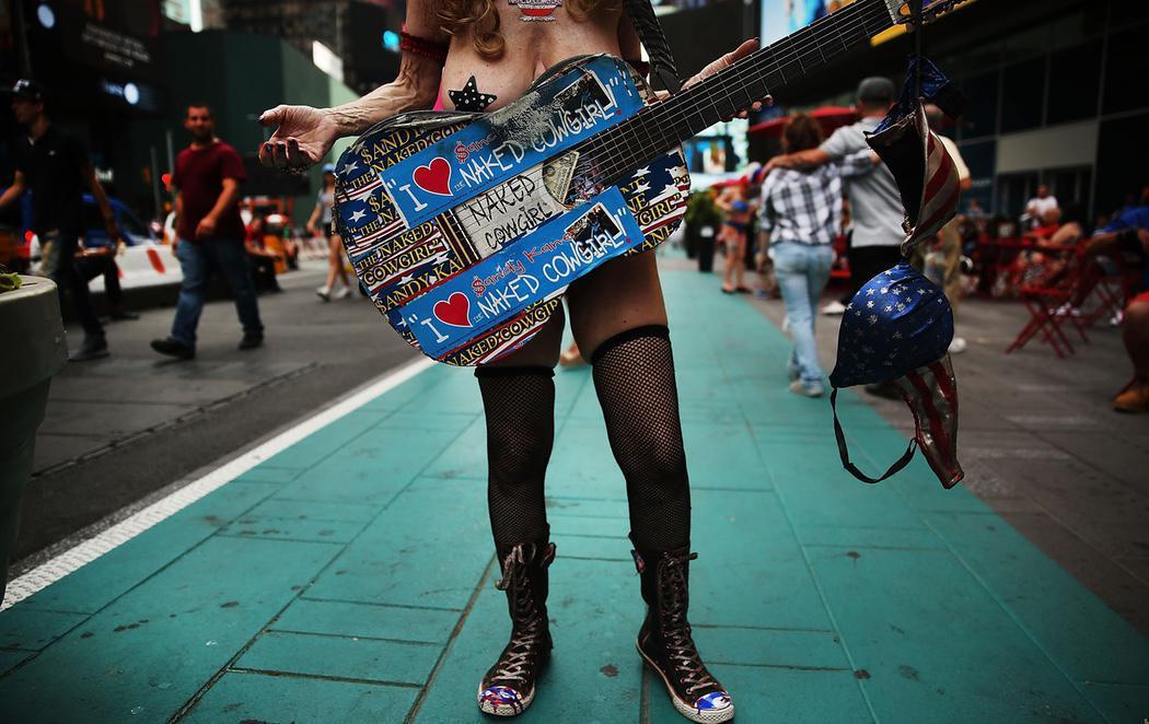 Zonas restringidas para los artistas callejeros de Times Square