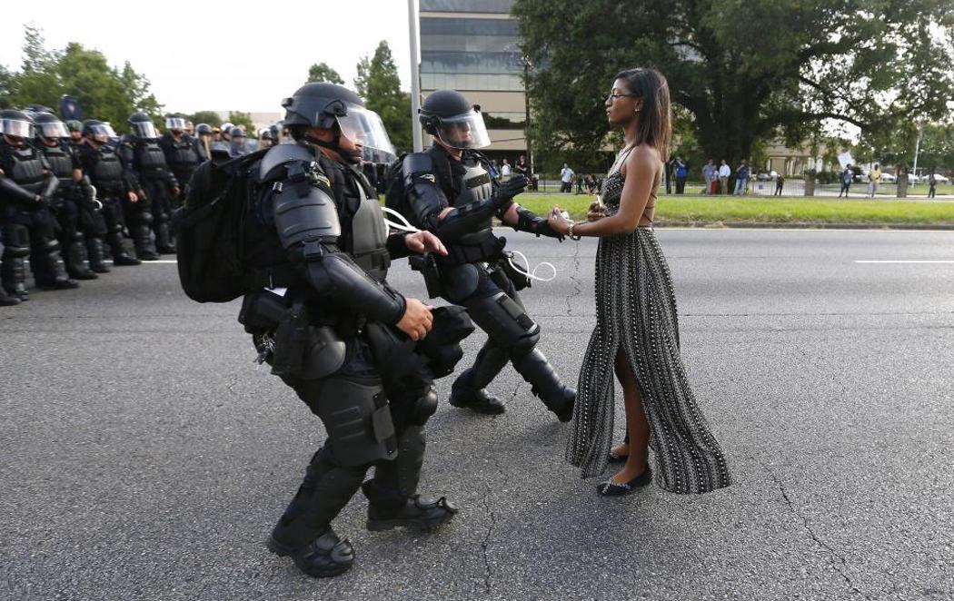 La manifestante pacífica que protestó contra el racismo policial