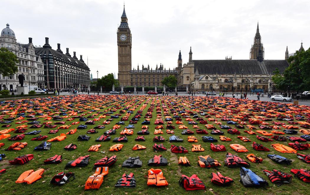 Un cementerio de chalecos salvavidas en Londres para defender a los refugiados