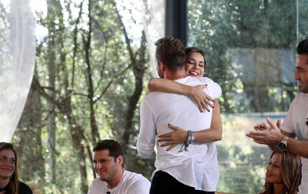 Chenoa y Bisbal se abrazan en 'OT: El Reencuentro'
