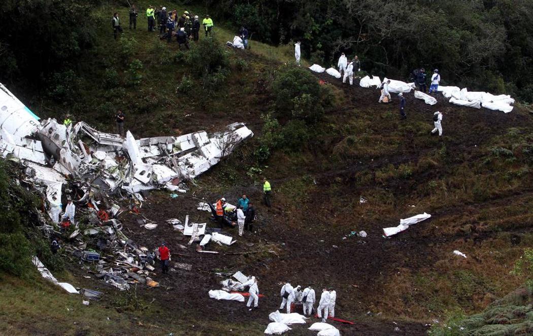 Al menos 75 muertos en un accidente de avión en el que viajaba un equipo de fútbol brasileño