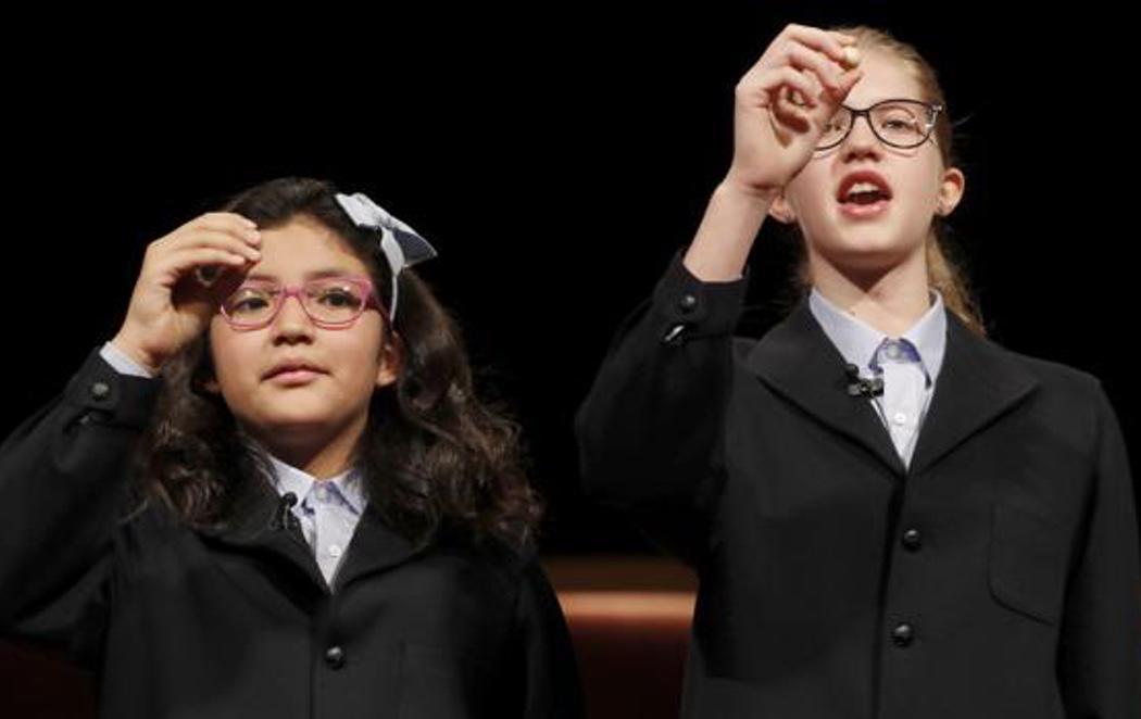 Nicol y Lorena repiten cantando el Gordo de la Lotería